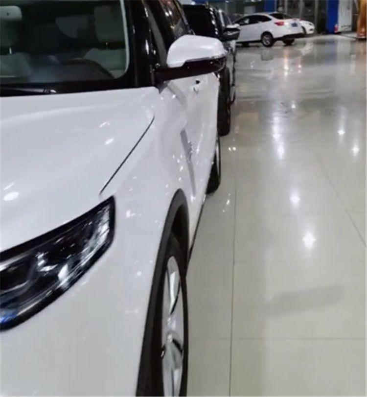 """14万""""国产版""""玛莎拉蒂SUV亮相,改电动踏板,车标是一个""""V"""""""