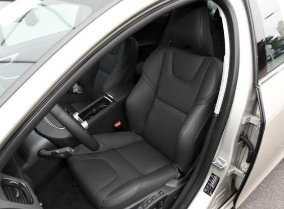 S60L新款上市,配T5动力+8AT,24.98万起步,价格亲民