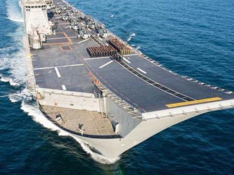 两栖攻击舰和航空母舰是两个舰种,不能划等号