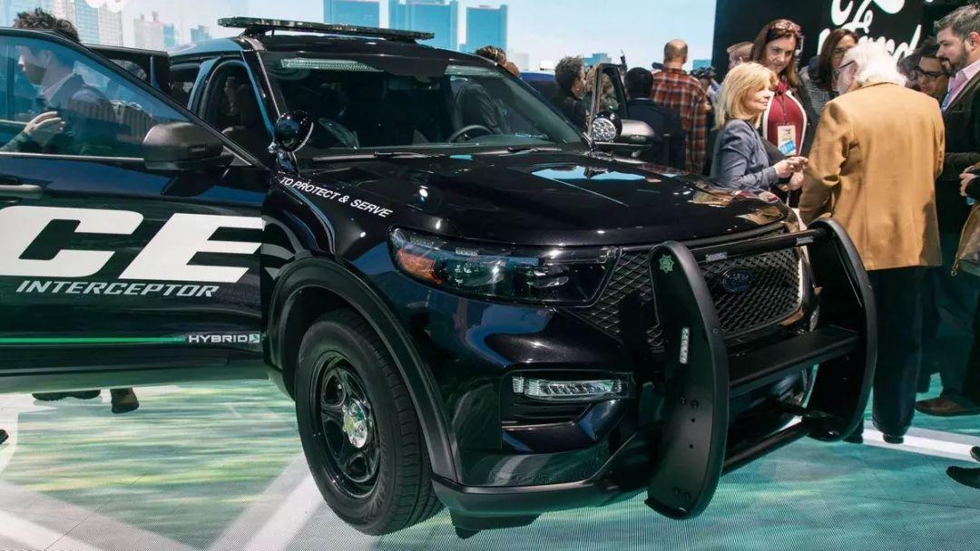 美国警察要装备混动警车了 这个咱可以学习学习
