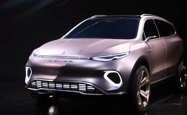 比亚迪、奔驰联合打造的腾势SUV,这腰线和尾灯完全就是比亚迪唐