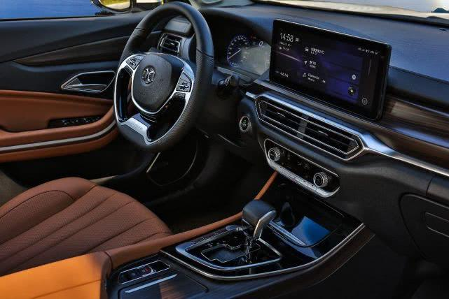 比博瑞便宜4万!独立悬架、全新LED、这台B级车仅7万起!