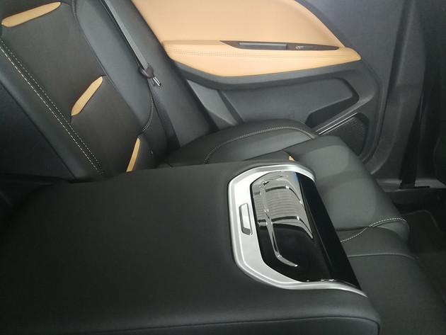 终于定了!13.58万起售,吉利全新轿跑SUV星越正式开售