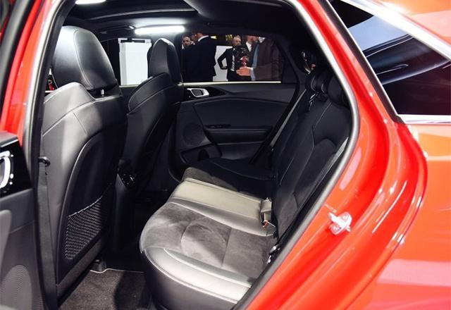 """最美""""起亚""""亮相!红色车身,配1.6T发动机,比起亚K5好看"""