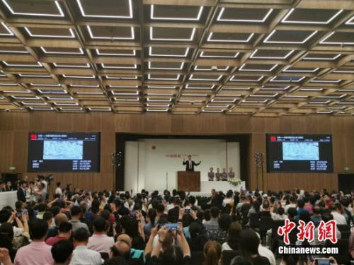 吴冠中《狮子林》超1.4亿成交 8年增值近3000万