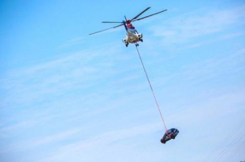 试水国内首次空投翻滚试验 奔腾X40能得多少分