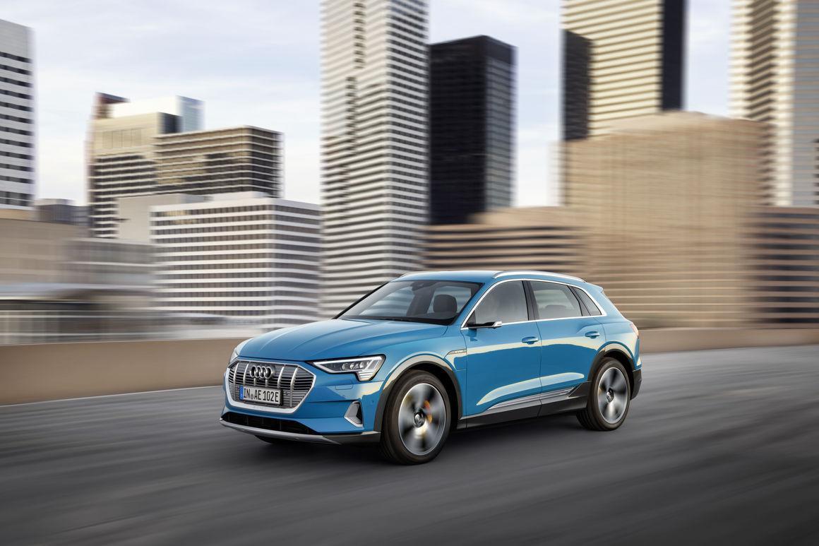 奥迪性能版纯电SUV e-tron S已经路试,有望明年面世