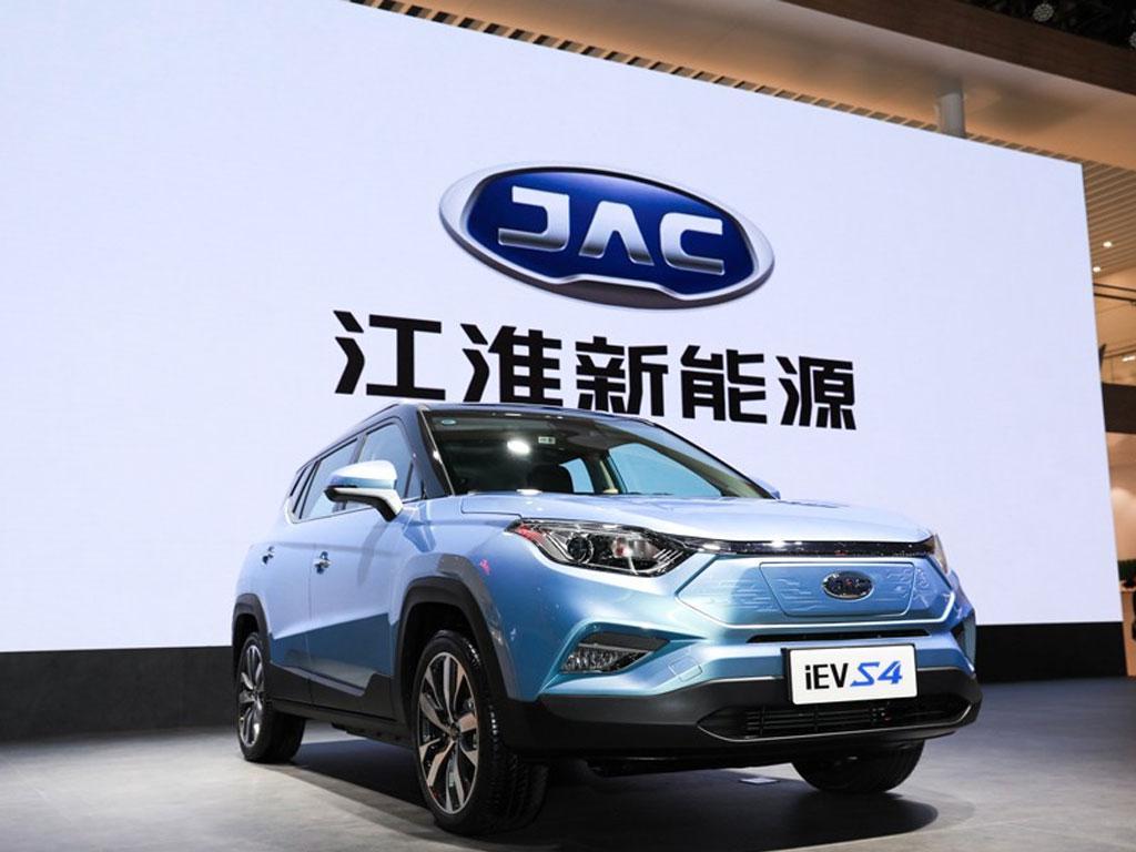 充电10分钟能跑80公里,江淮iEVS4上市,12.95万元起售