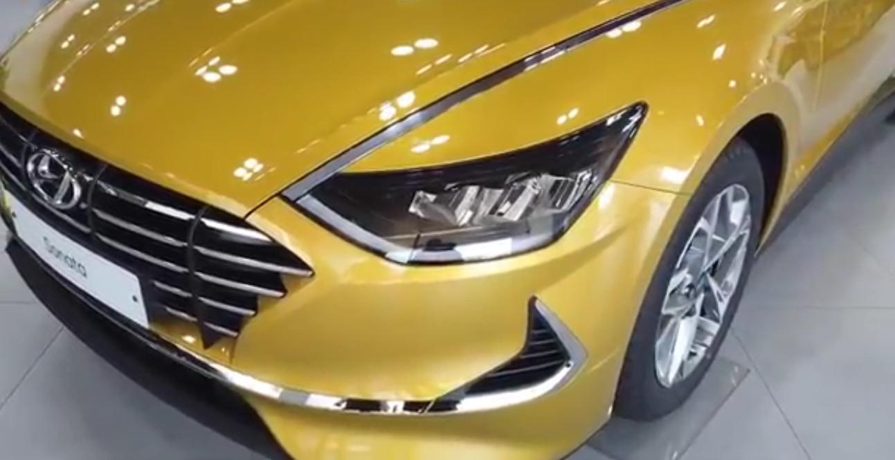 2020款现代索纳塔到店实拍,颜值有料,豪车身影