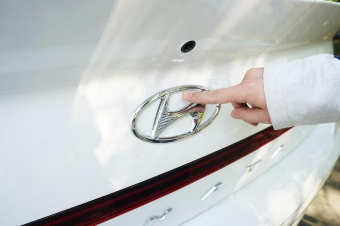 现代汽车的未来?海外试驾索纳塔10代!
