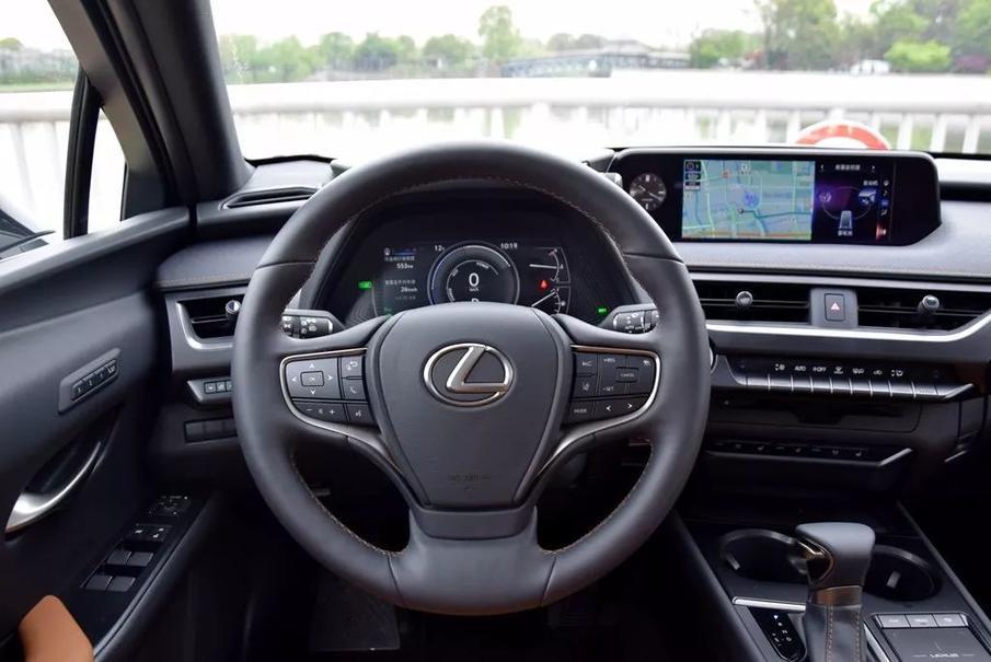 雷克萨斯的车就没有驾驶乐趣?推荐你试试这辆UX260h