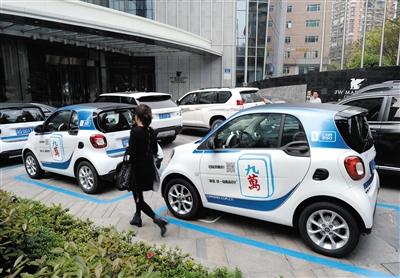Car2Go于2016年4月正式进入中国,并首选在重庆进行投放和运营。 图/视觉中国