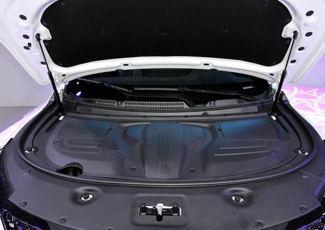 网红SUV再出新款!风光580 Pro新增六座版,预售9万起!
