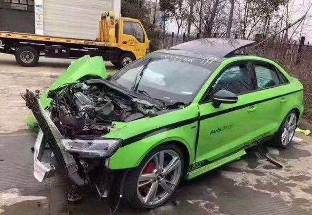 好车都让猪给拱了,真是可惜了这辆奥迪RS3