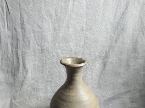 元代玉壶春青瓷瓶