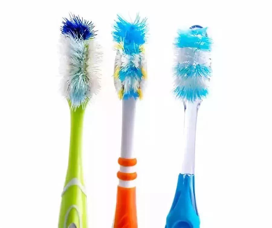 创新宽头,软硬兼备的网红牙刷,无死角清洁牙齿,还不用担心牙龈出血!