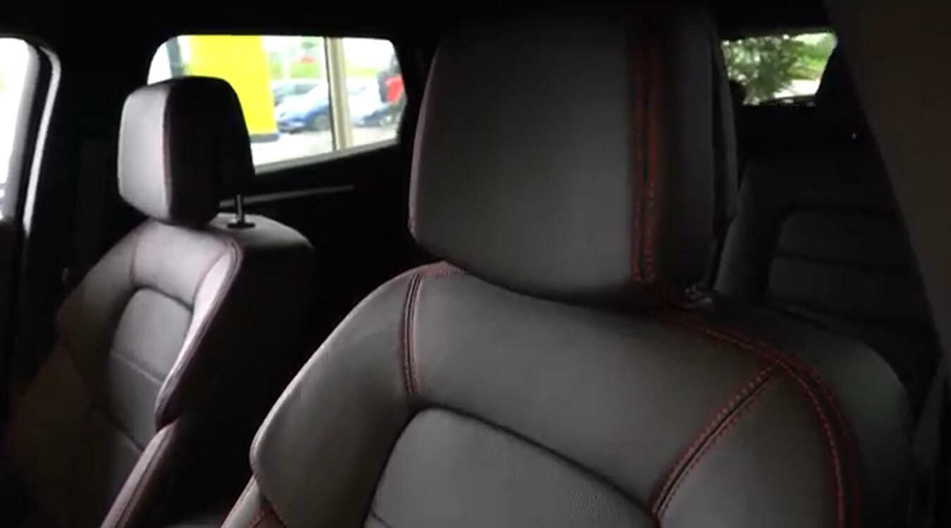 雷诺首款C级轿车塔利斯曼19款到店实拍 尺寸远超欧版帕萨特