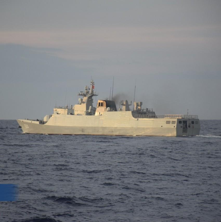 菲律宾海警首次在黄岩岛发现056轻护