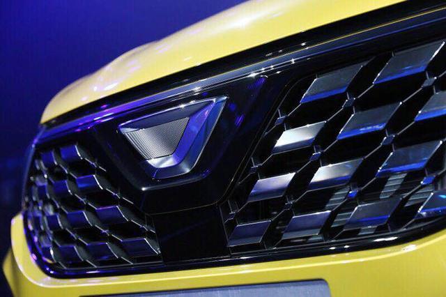 捷达首款SUV到店,看到车尾的几个字后,网友表示:大众太狡猾了