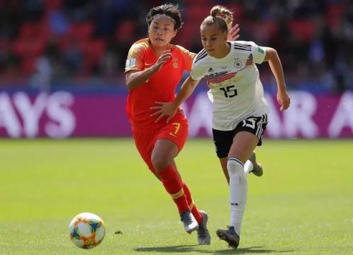 一场逼得德国队65分钟才进球的比赛,女足姑娘首战很出彩!