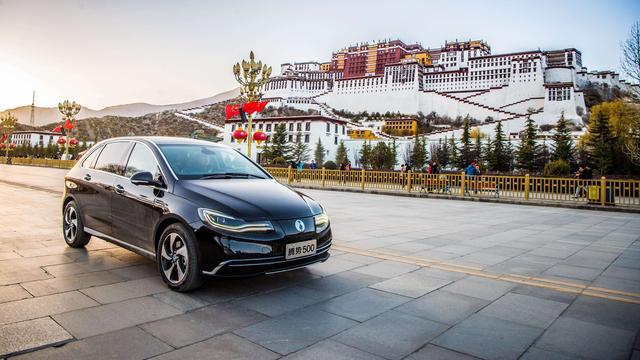 多家车企为存活寻求合作 特斯拉却只想在中国搞独资?