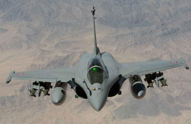为了抢走俄罗斯手中订单,美国突然慷慨答应向印度转让F16生产线