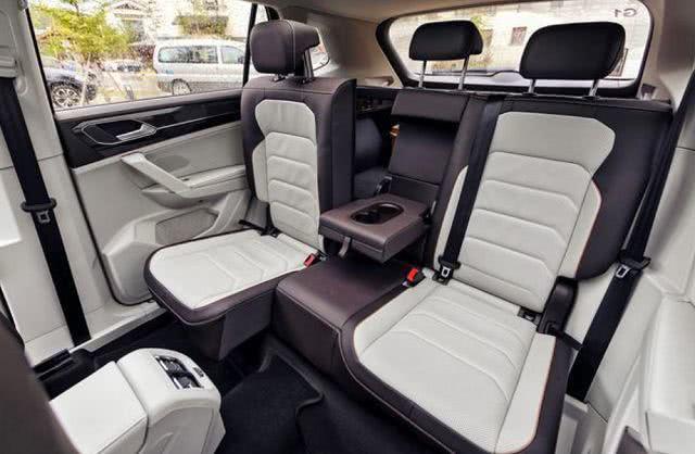四款热门SUV,大众探岳越级对比日系三剑客,<a href=