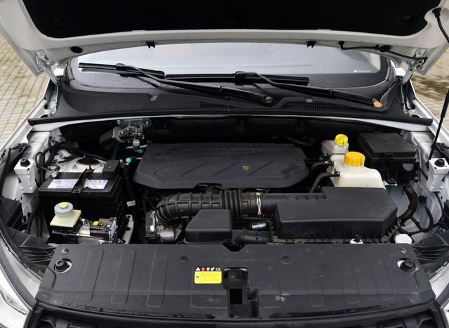 """不用踩离合,这7座SUV只卖6.8万,进化的""""国民神车""""依然热卖"""