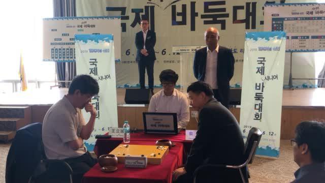 视频-元老赛个人决赛俞斌对决王立诚 刘小光观战