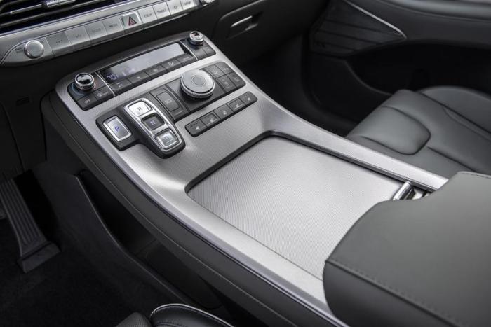 现代全尺寸SUV,3.8升V6发动机,美国只卖21万?