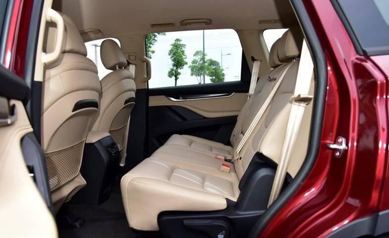 尺寸直逼大众途昂 搭载2.0T动力 这款中大型SUV 15万起能买吗