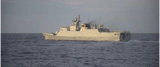 菲总统府回应中国军舰现身黄岩岛:关注任何侵权行为