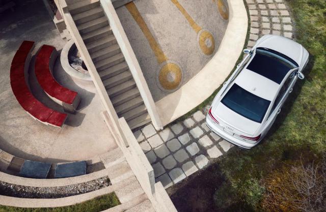 5月豪华轿车销量排行榜,奥迪A6销量不足6000辆,奔驰丢冠
