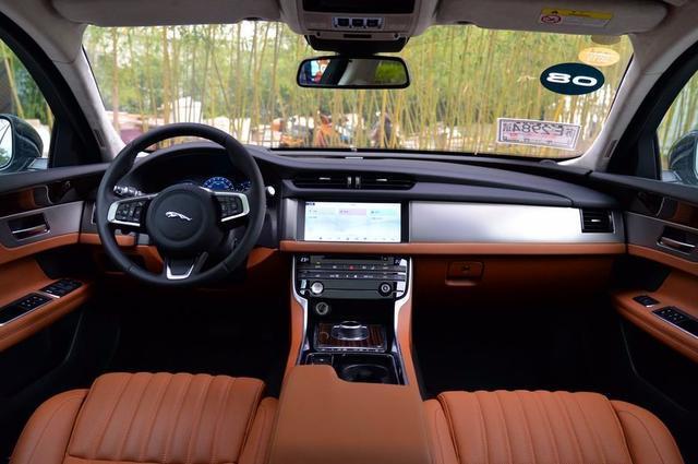低配优惠8万,顶配优惠17万,这款C级豪车29万入手,还等新3系?