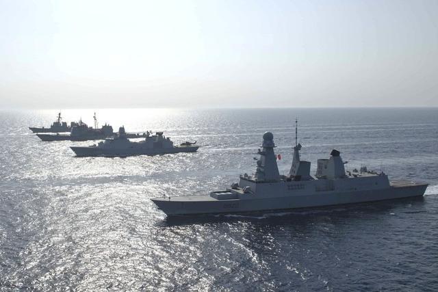 有耀武扬威之意,美法组成双航母编队展开联合军演