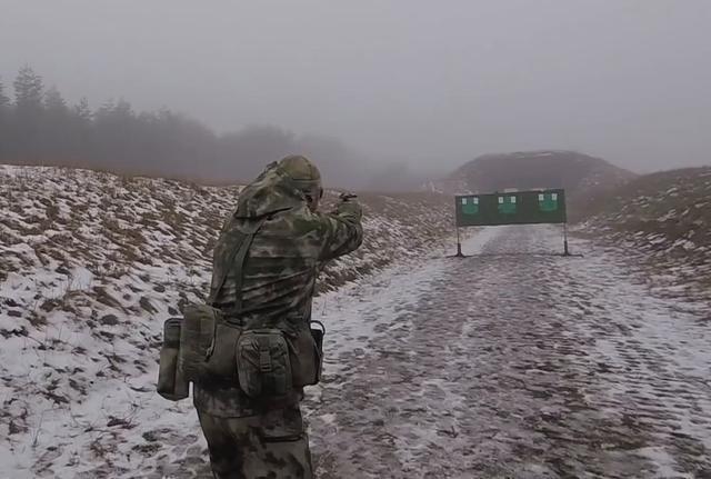 白俄罗斯国防工业推出一款威力十足的手枪