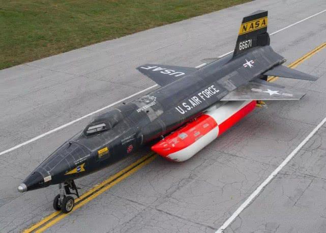 速度最快的3架战机,第1名的速度,是歼-20的2倍还多