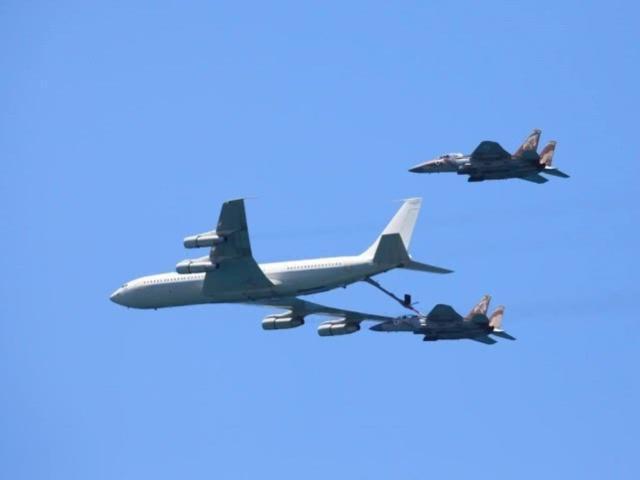 空袭凌晨爆发!大批美制战机骗过两国雷达,炸毁伊朗头号海外基地