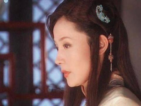 和刘晓庆一样是不老女神,前夫是导演尤小刚,离婚后却被曝出整容