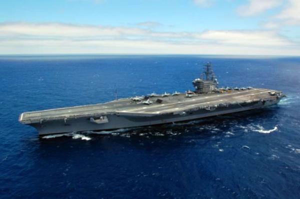 """继伊朗后美锁定新目标,太平洋出现2艘""""航母"""",向大国发出警告"""