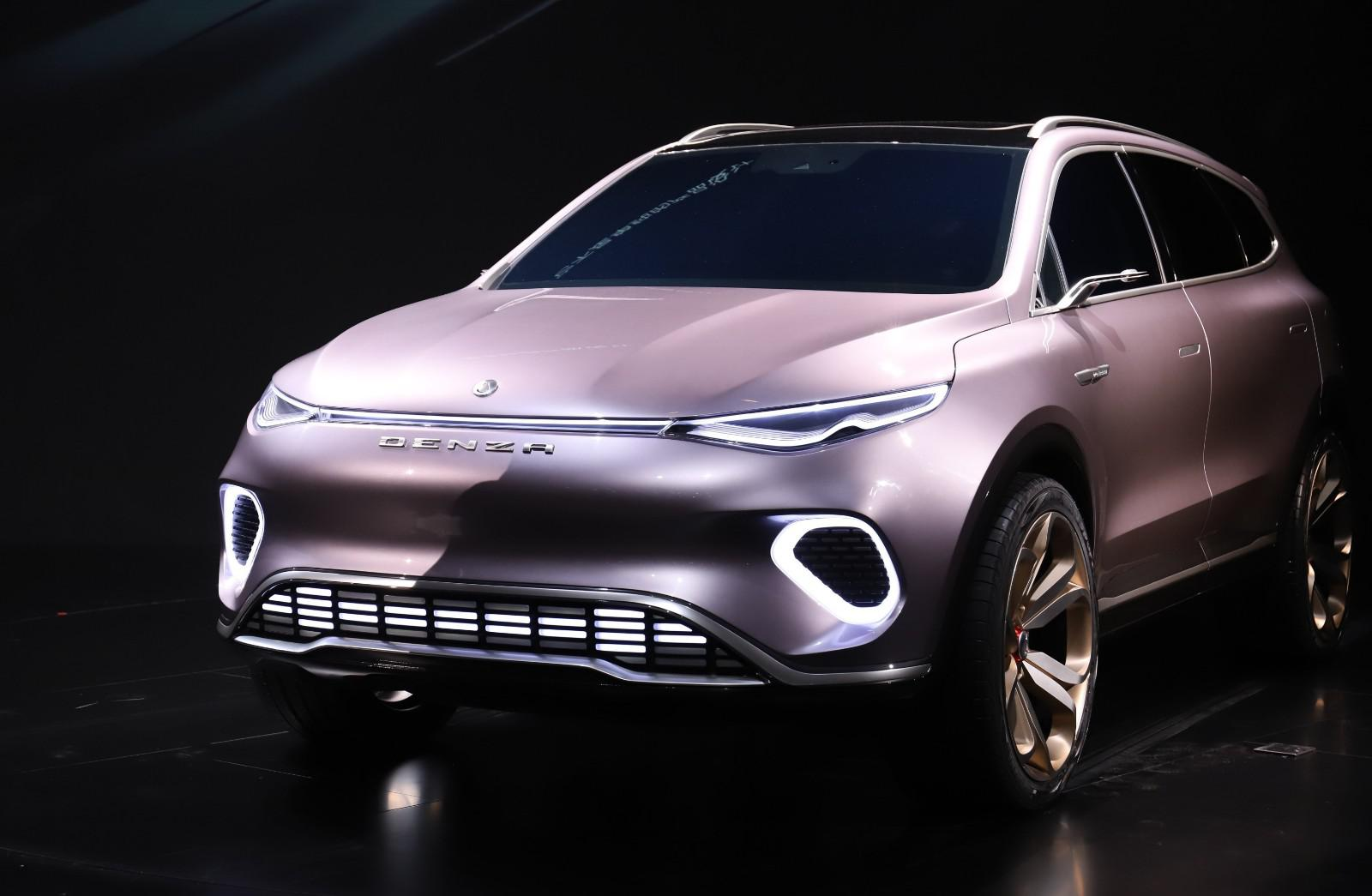 腾势Concept X挂上奔驰标,内在竟是比亚迪唐的换壳车型?