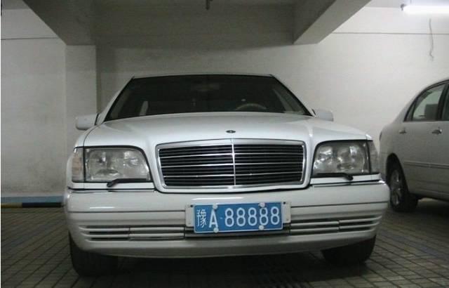 名头不输乔四爷黑A88888,三百万出售不还价,现任车主竟然是他