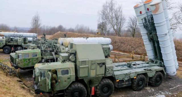 深夜起飞多架战斗机发射导弹摧毁多个伊朗目标,俄:只是个开头