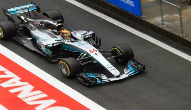 梅赛德斯车队:车场靓仔,F1车架由碳纤维制成,体现科技