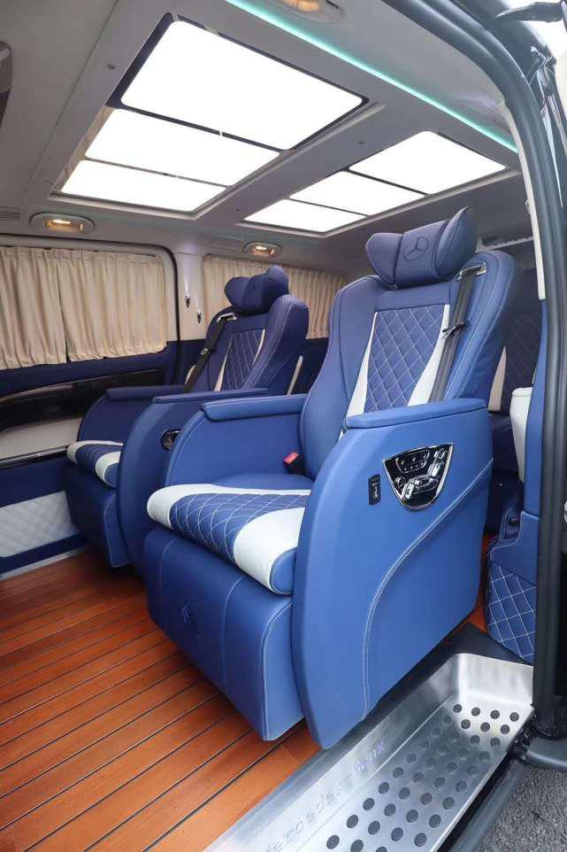 奔驰威霆改装车性价比超高,七座商务MPV专属的乘坐体验