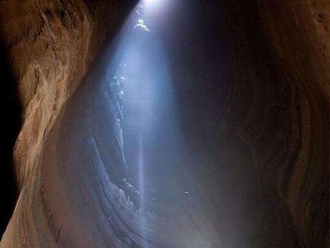 世界上最深的洞穴,达到2197米,最底部被地下水覆盖