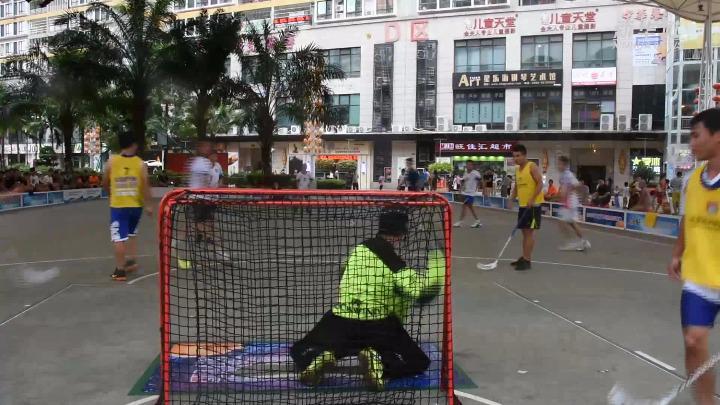 冰球还可以这么玩?来看海南省旱地冰球公开赛
