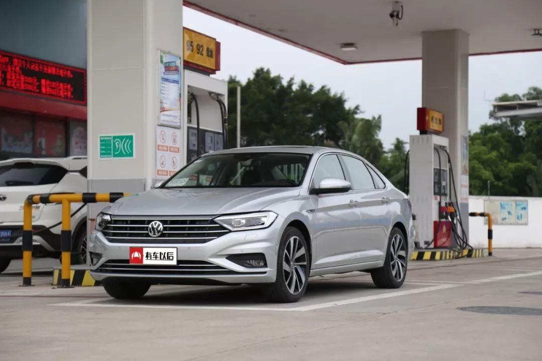 12.89万起,国内最火的大众家轿之一,实测油耗竟然……