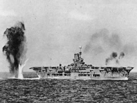 二战最漂亮的装甲航母,皇家方舟刺刀见红,群殴俾斯麦战列舰