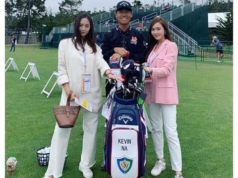 郑秀妍郑秀晶姐妹高尔夫球场打球 一粉一白互动有爱